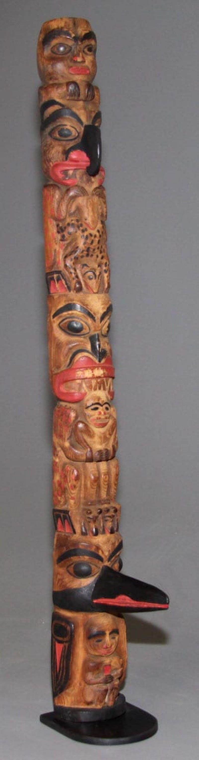 Haida Hollowback Totem