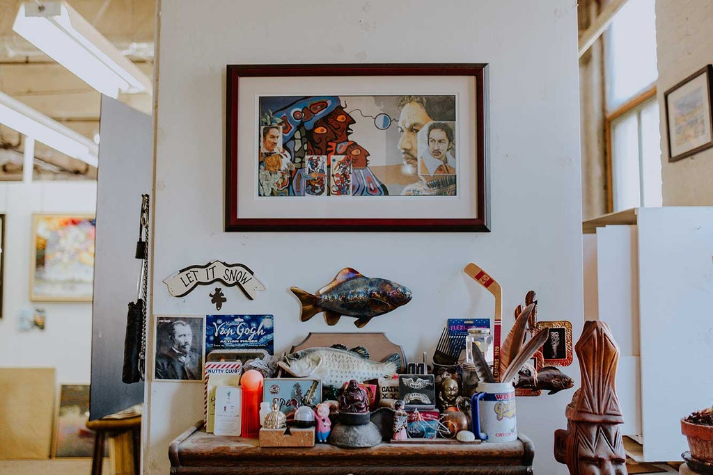 Furniture, Shelf, Indoors, Interior Design, Animal, Reptile, Sea Life, Turtle, Table, Cupboard, Closet, Room, Living Room, Wood, Bookcase, Plywood