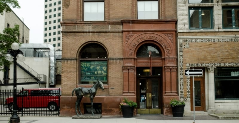 Building, Horse, Mammal, Animal, Architecture, Urban, Postal Office, City, Town, Street, Road